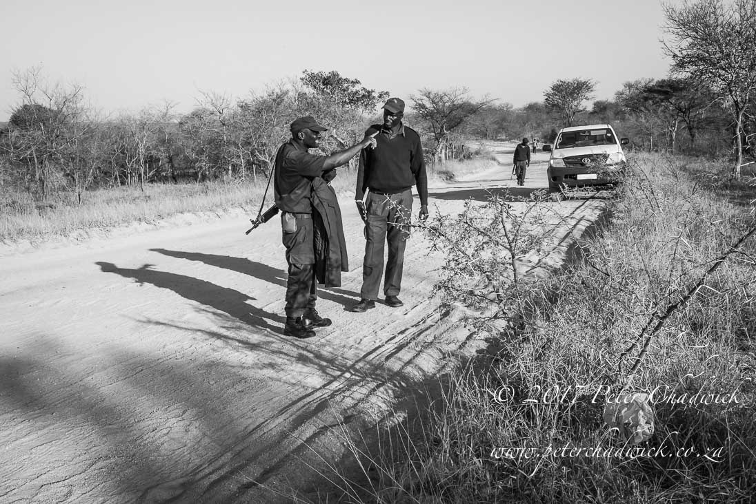 Chasing poachers_©PeterChadwick_AfricanConservationPhotographer